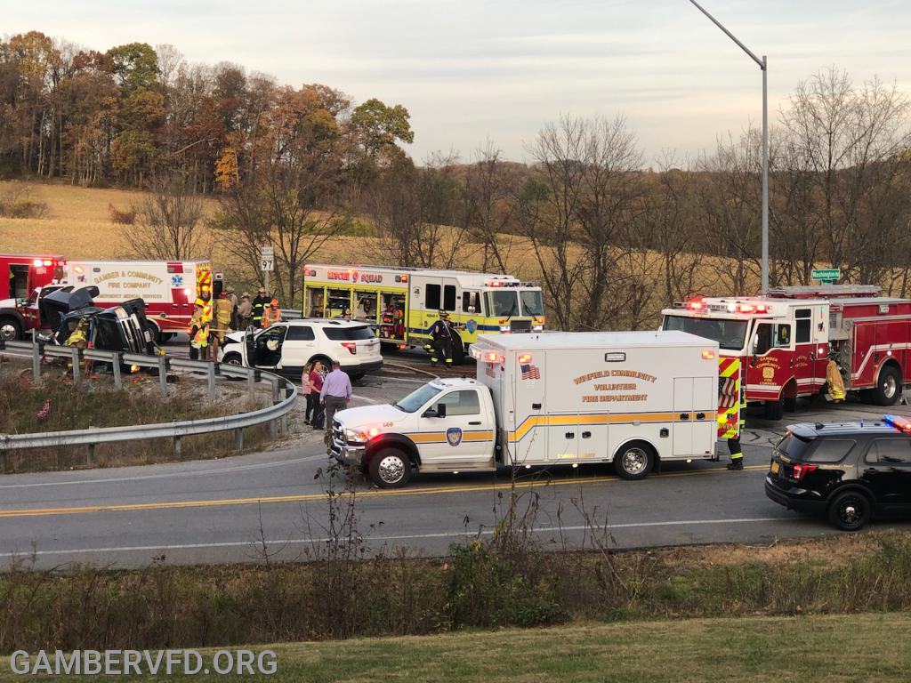 Fire and EMS apparatus at the scene of the crash. Photo by R. Panos